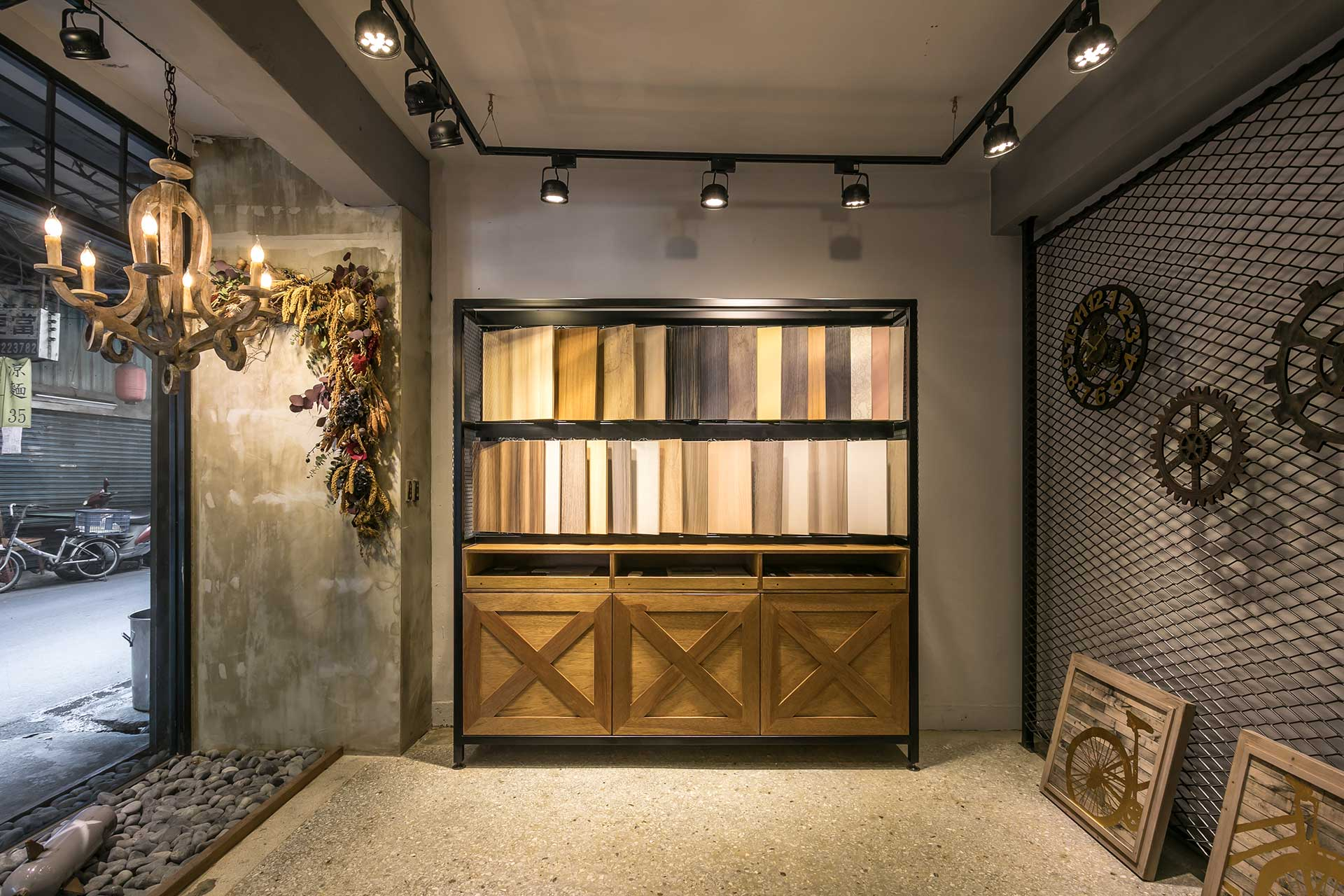系統板材展示櫃搭配室內光源
