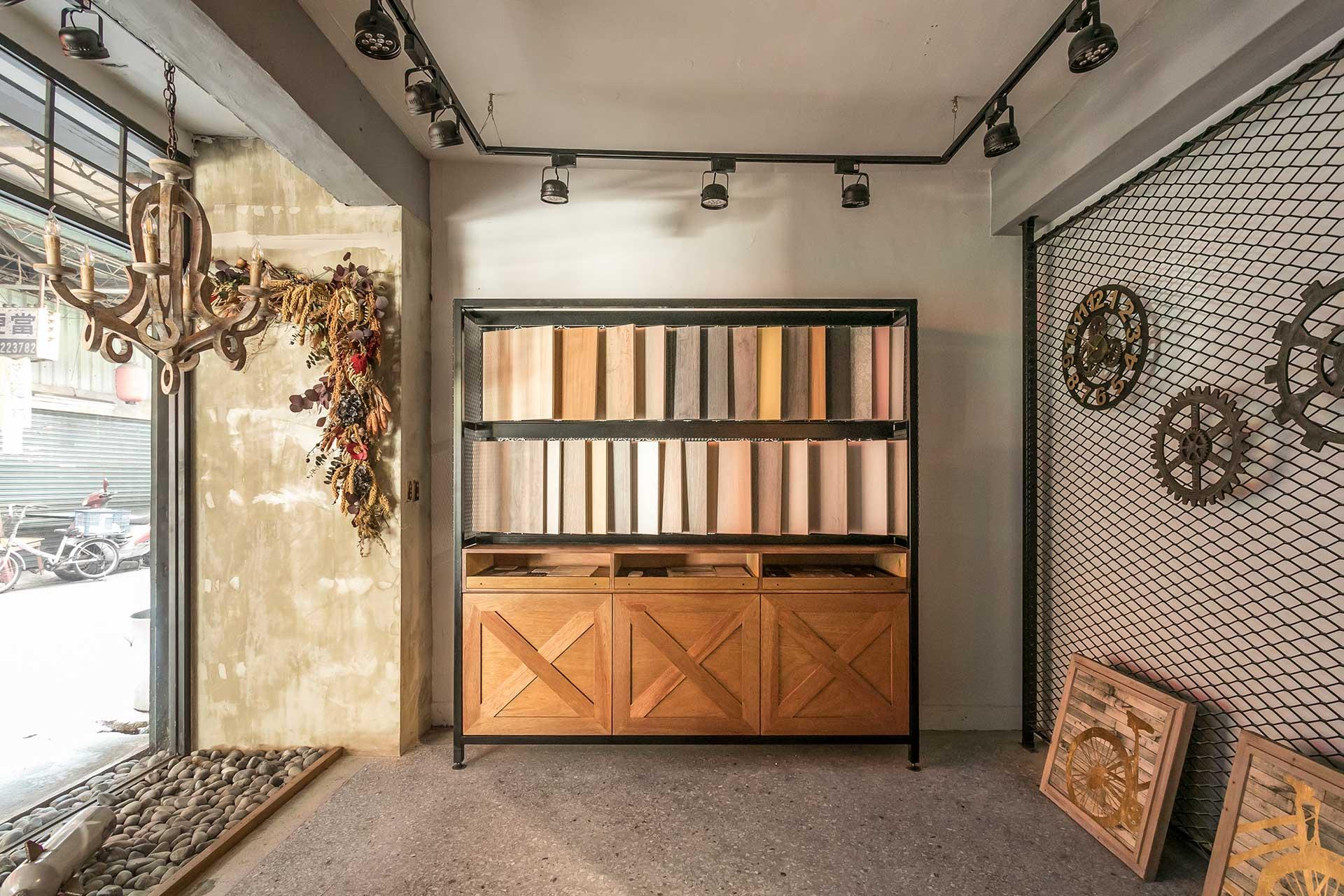 系統板材展示櫃搭配戶外自然採光