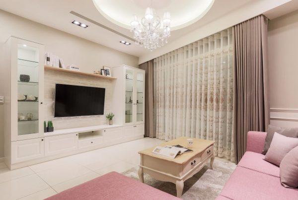採歐式設計整體風格的二樓客廳