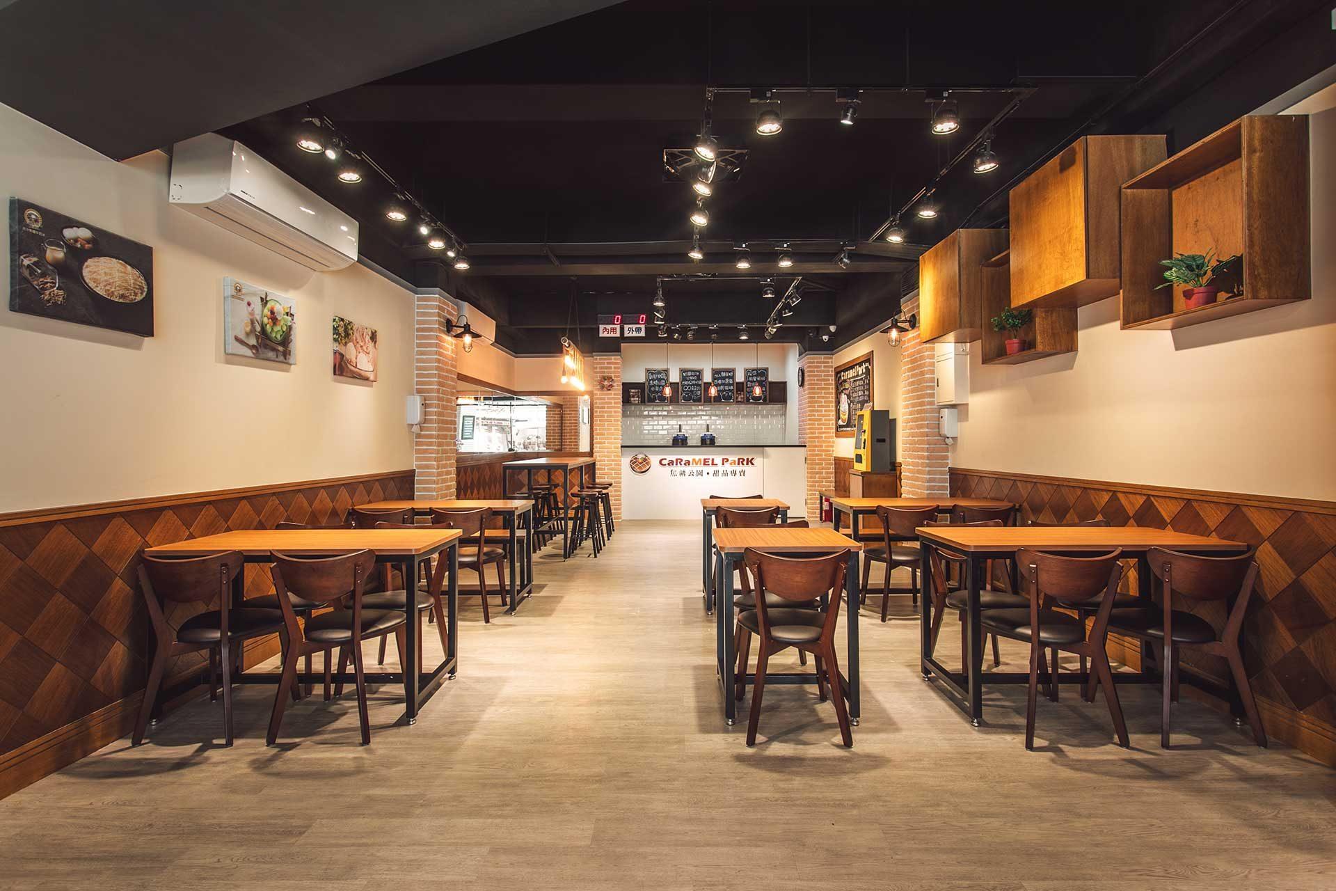 焦糖公園蘆洲光華店內寬敞舒適又乾淨的用餐空間,一掃傳統冰店擁擠黏膩的刻板印象