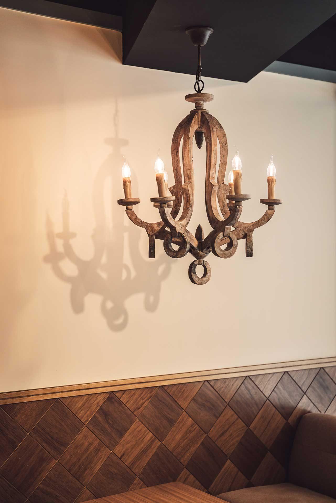 中世紀歐洲朽木藝術吊燈