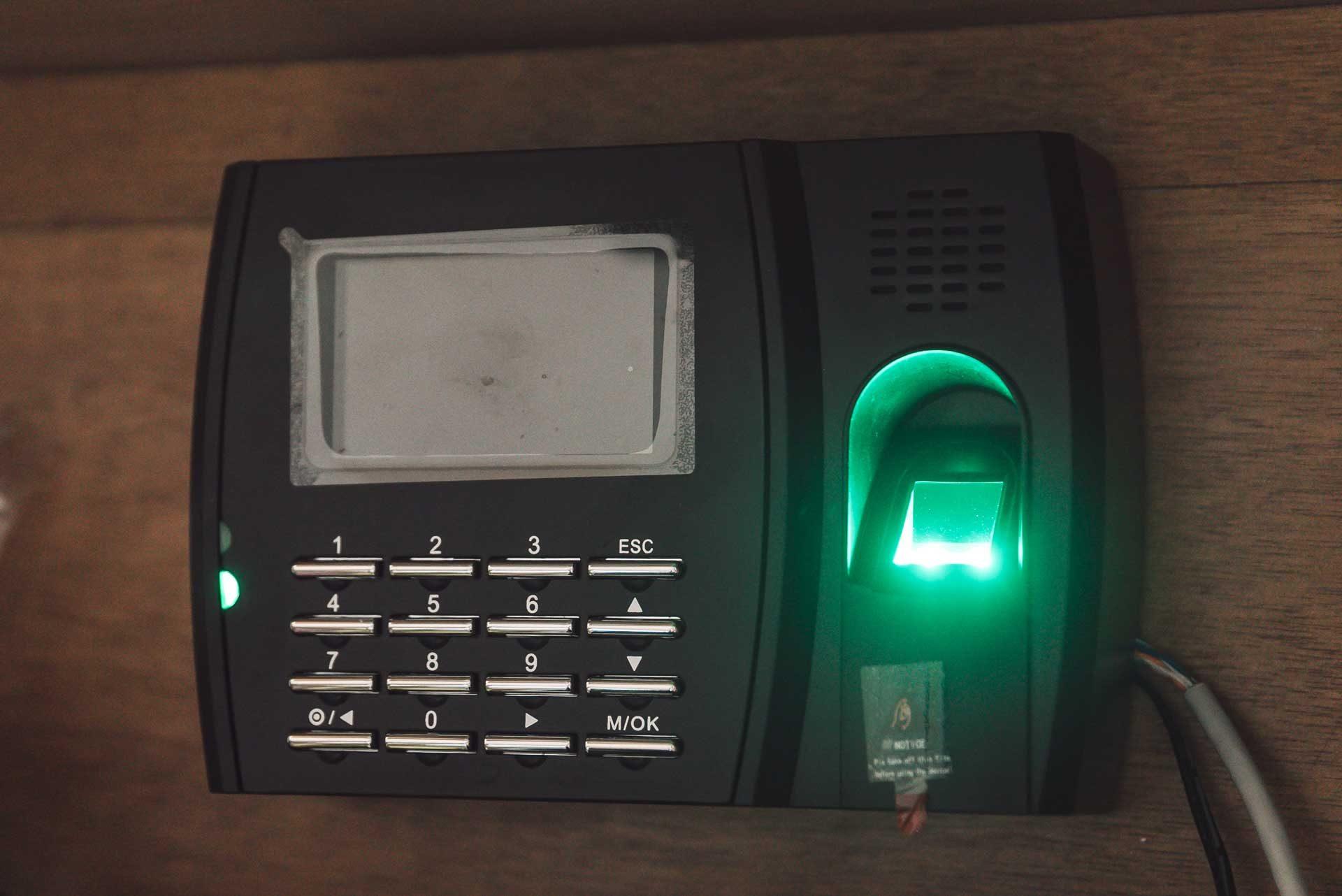 指紋打卡機