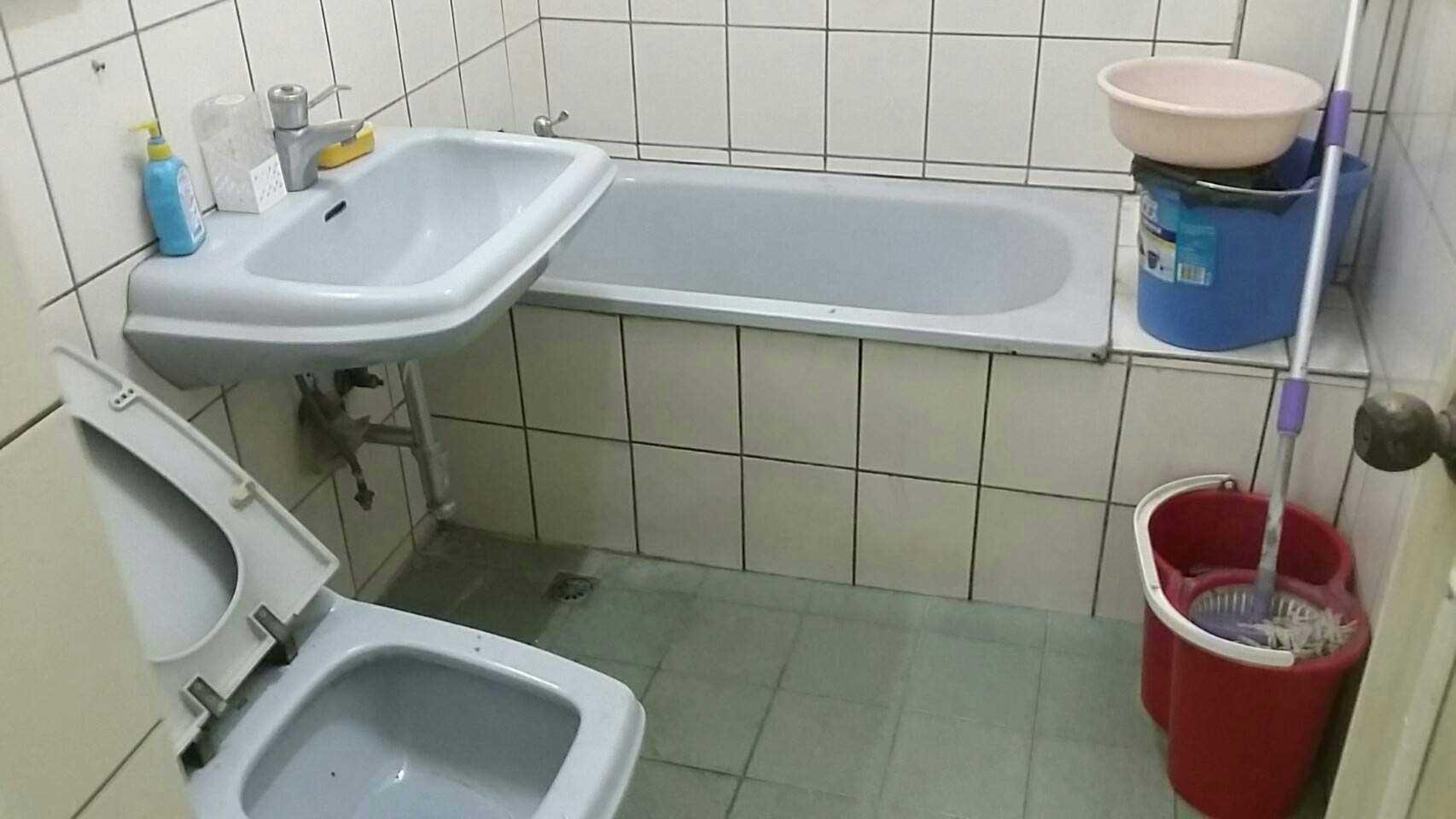 在施工前的廁所樣貌