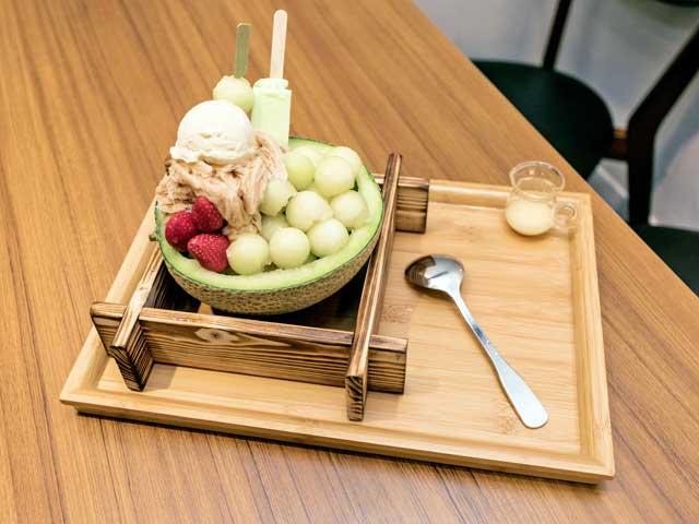 焦糖公園人氣冰品-池田哈密瓜雪棉冰(圖片來源:旅々台北.com)