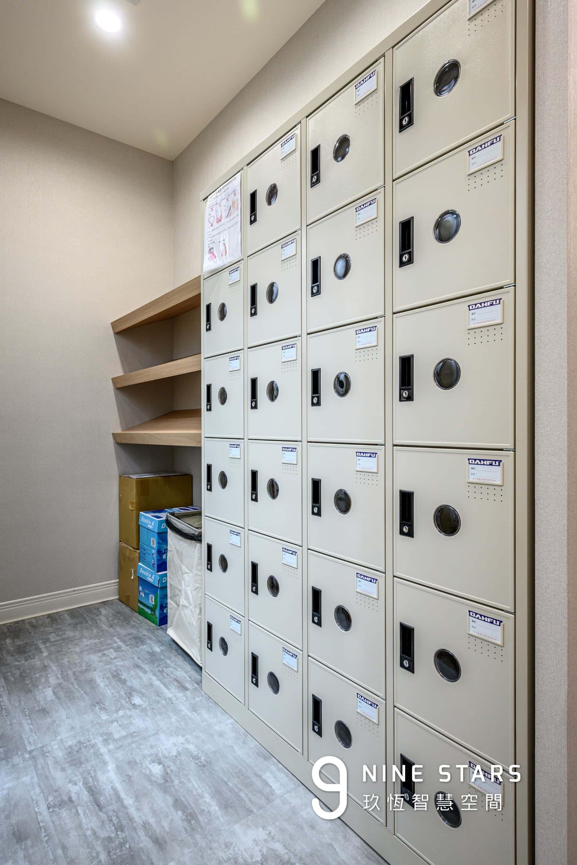 更衣室提供的置物櫃